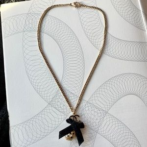 CHANEL Classic CC Bow Pendant Necklace Gold